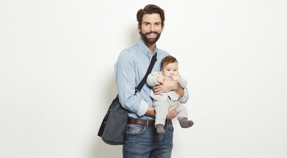 si può viaggiare in aereo con un neonato