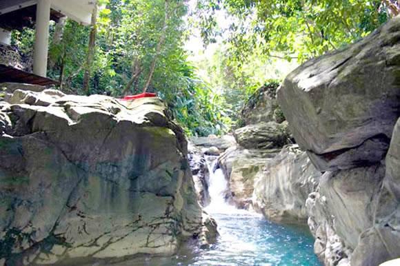 cascate vicino alla casa di tarzan