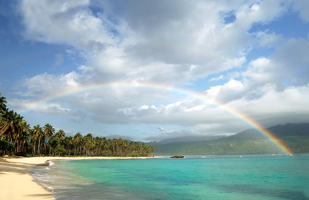 spiaggia di samana che puoi vedere se fai un viaggio responsabile a santo domingo