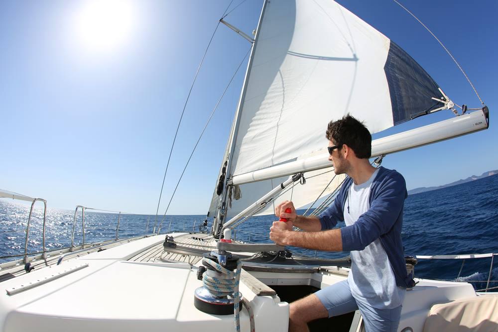 lavorare e guadagnare viaggiando in barca a vela