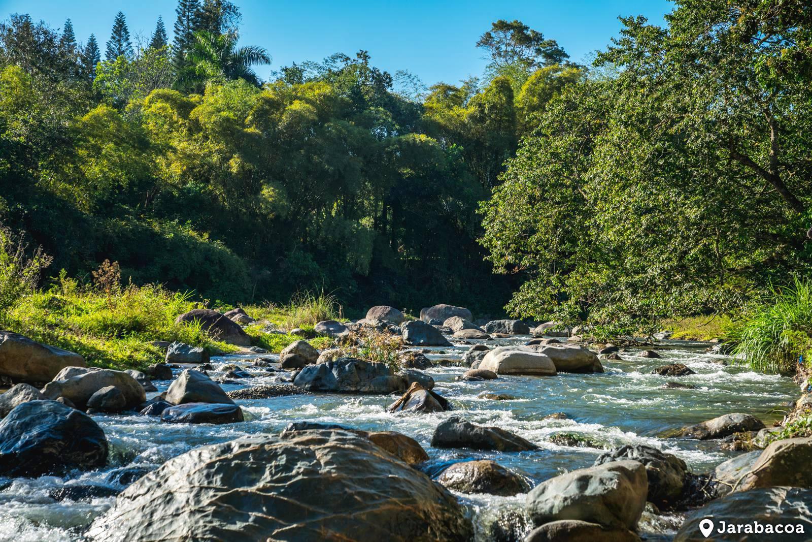 fiume a Jarabacoa, tra i 15 luoghi turistici emergenti della repubblica dominicana