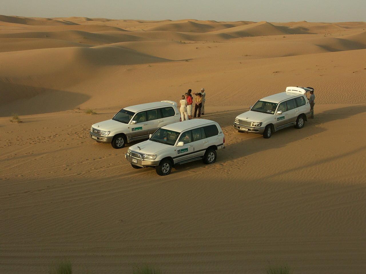 isola di djerba: jeep nel deserto