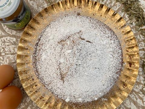 Torta con gelatina a base di foglie di olivo